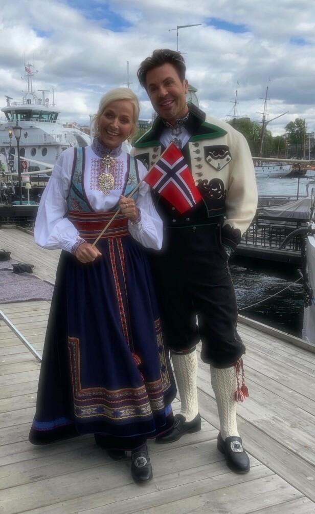 PÅ JOBB: Vår Staude og Jan Thomas ledet «God Morgen Norge»-sendingen på nasjonaldagen i fjor. Foto: Privat