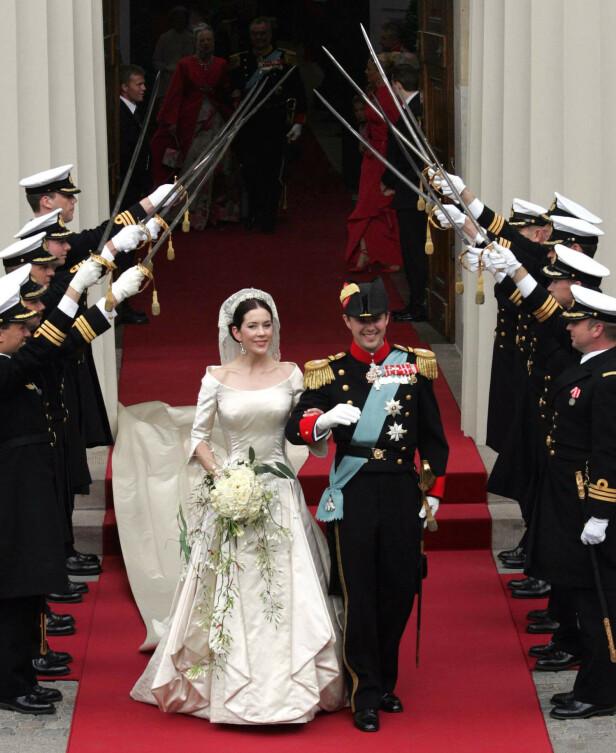 STORSLÅTT BRYLLUP: Kronprinsesse Mary og kronprins Frederik giftet seg i 2004. I dag feirer de sin 16 års bryllupsdag. Foto: NTB Scanpix