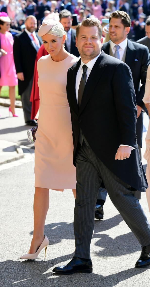 VENNER: James Corden and Julia Carey på bryllupet til Harry og Meghan. Foto: NTB scanpix