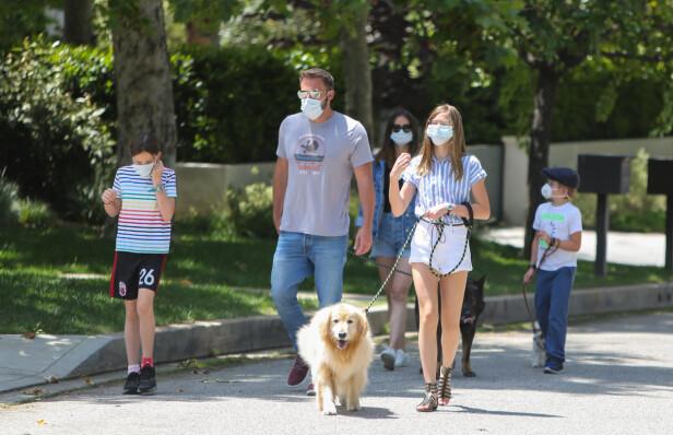 SAMMEN MED BARNA: I mai måned ble Ben Affleck observert med Ana De Armas og hans tre barn. FOTO: NTB Scanpix
