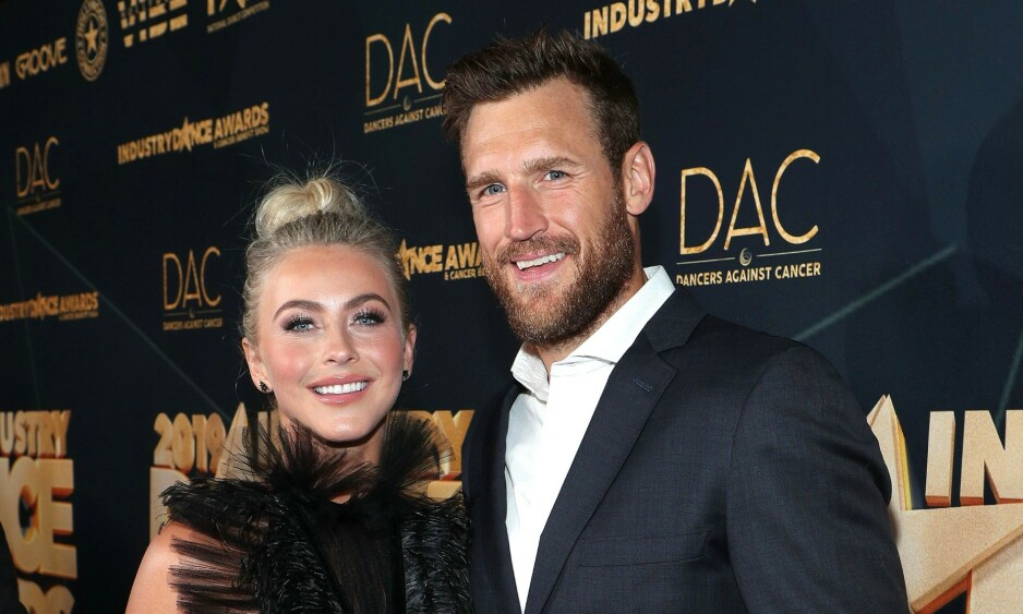 SLUTT: Her er Julianne Hough og Brooks Laich på et event i Hollywood i august i fjor. Foto: NTB Scanpix