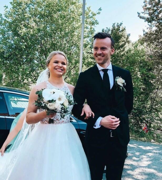 - PERFEKT DAG: Lisa ser frem til å leve livet videre som gift, og forteller at bryllupsdagen var både surrealistisk og en fantastisk opplevelse. Foto: Kristoffer Ulstein