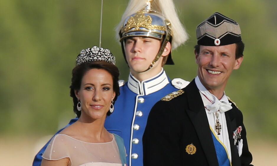 NY JOBB: Prins Joachim har fått ny jobb, skriver det danske forsvarsdepartementet på sine hjemmesider, ifølge Ekstra Bladet. Her er han med kona prinsesse Marie. Foto: NTB Scanpix