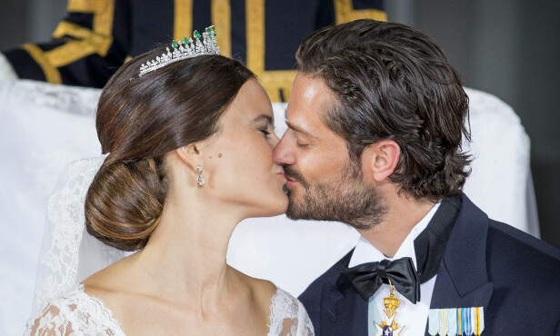 <strong>LYKKELIG GIFT:</strong> Prinsesse Sofia og prins Carl Philips romantiske bryllup var en rørende affære. Foto: NTB scanpix