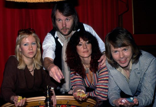 VELKJENT KVARTETT: Abba, har fotografert i 1974, kan sies å ha vært et av popmusikkens største eventyr. Foto: NTB Scanpix