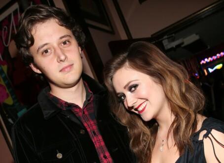 TURTELDUER: Skuespillerparet Billie Lourd og Austen Rydell har holdt sammen siden 2017. Foto: NTB Scanpix