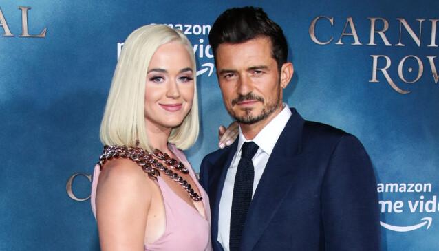 AV OG PÅ: Katy Perry og filmstjernen Orlando Bloom har vært i et av-og-på-forhold, men ble til slutt forlovet i 2019. Nå venter de snart en babydatter. Her er de fotografert under en filmpremiere i Los Angeles i 2019.