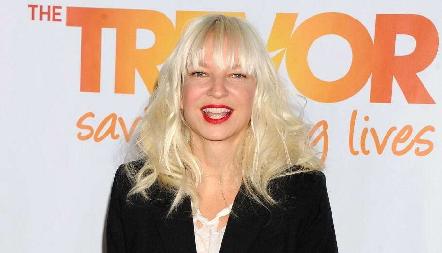 BLE MAMMA TIL TO: Artisten Sia Furler har i hemmelighet adoptert to myndige gutter. Nå forteller hun hvordan det går. Foto: NTB Scanpix