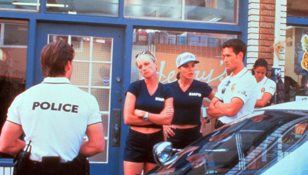 TV-STJERNE: Darlene Vogel (nr to fra venstre) i «Pacific Blue». Foto: TV 2