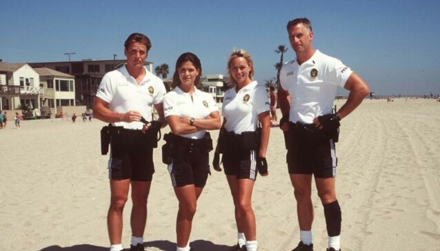 PAUSE: Rick Rossovich (t.h) spilte i flere år politioverbetjenten Anthony Palermo. Han er gift med svenske Eva og skal hvert år tilbringe sommermånedene i Sverige. Foto: TV 2