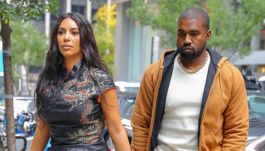 IKKE ROSENRØDT: Realitystjernen Kim Kardashian West og ektemannen Kanye West forsøker angivelig å redde ekteskapet. Derfor har de nå dratt til Karibia. Her er de fotografert sammen i New York City ved en tidligere anledning. Foto: NTB Scanpix