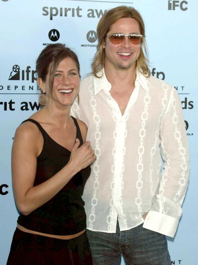 OVERRASKET: Jennifers svar på om Brad var hennes livs kjærlighet fikk mange til å sperre opp øynene. Året etter forsikret hun om at paret var ment for hverandre. Her sammen på The IFP Independent Spirit Awards i 2003. Foto: NTB Scanpix