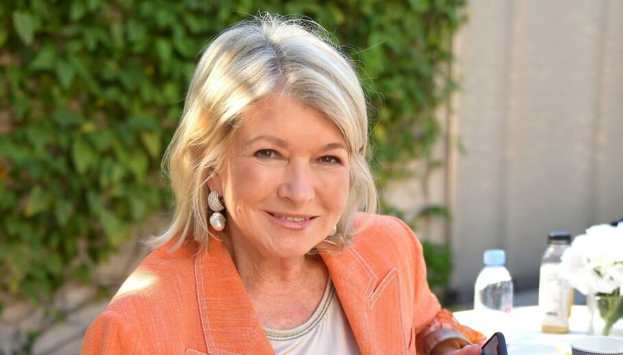 SJOKKERER: Tv-personligheten Martha Stewart publiserte et vågalt bilde på Instagram. Nå innrømmer hun at det var en tørstefelle. Foto: NTB scanpix