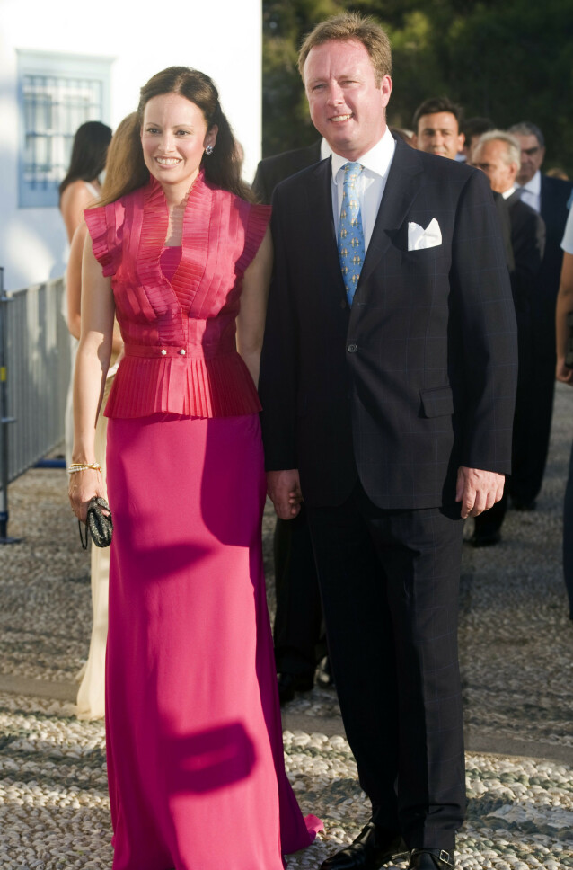 GIFTEPLANER?: Prinsen har foreløpig ikke kunnet gifte seg med sin kjæreste gjennom mange år. Nå stilles det spørsmål ved mulighetene for et potensielt bryllup. Her er de fotografert sammen i 2010. Foto: NTB Scanpix