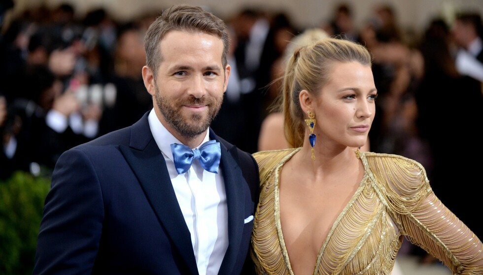 SIER UNNSKYLD: Stjerneparet Blake Lively og Ryan Reynolds giftet seg på en tidligere slaveplantasje i USA i 2012. Det er de lei seg for. Foto: NTB Scanpix