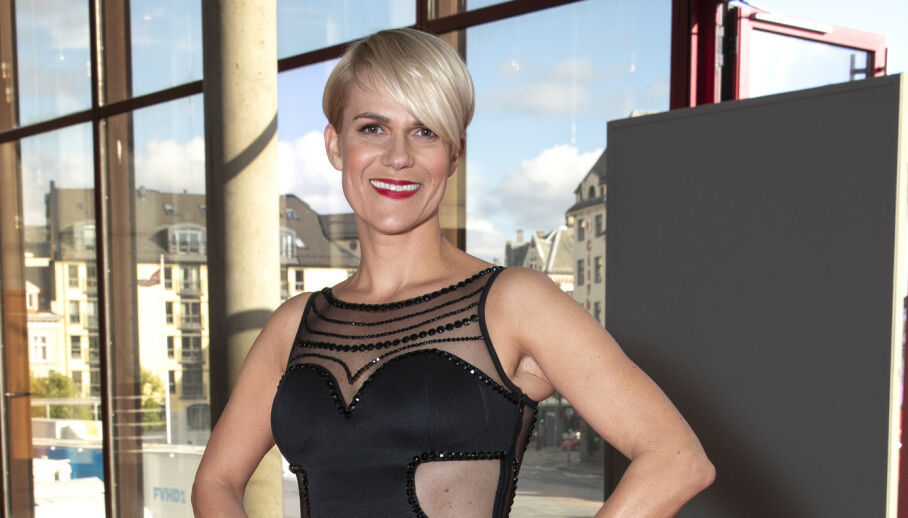 FIKK HUDKREFT: Sigrid Bonde Tusvik fikk påvist hudkreft tidligere i år. Nå forteller 40-åringen at hun tar forholdsregler når hun oppholder seg i sola i sommer. Foto: Andreas Fadum / Se og Hør