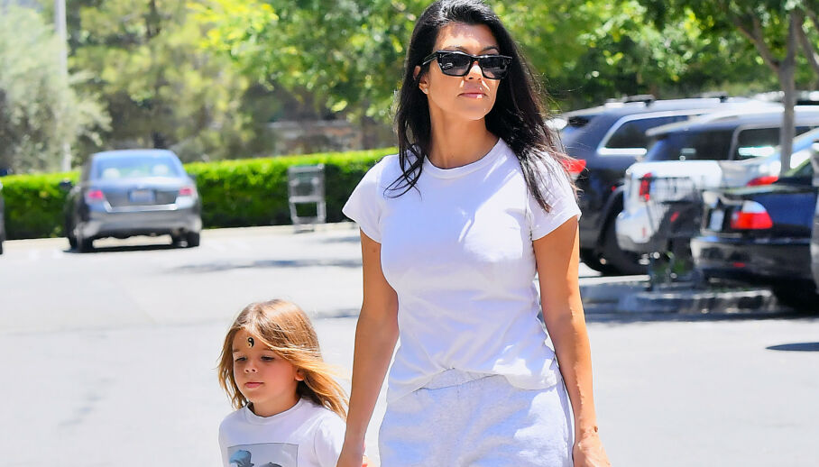 FORANDRINGEN HYLLES: Kourtney Kardashians yngste sønn, Reign, har fått mye oppmerksomhet for håret sitt. Nå deler moren nytt bilde av ham. Foto: NTB Scanpix