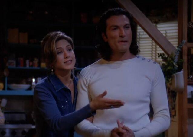 HET FLØRT: Mange husker nok Paolo som Rachel Green datet i første sesong. Se bilde av hvordan han ser ut i dag lenger ned i saken. Foto: Warner Bros.