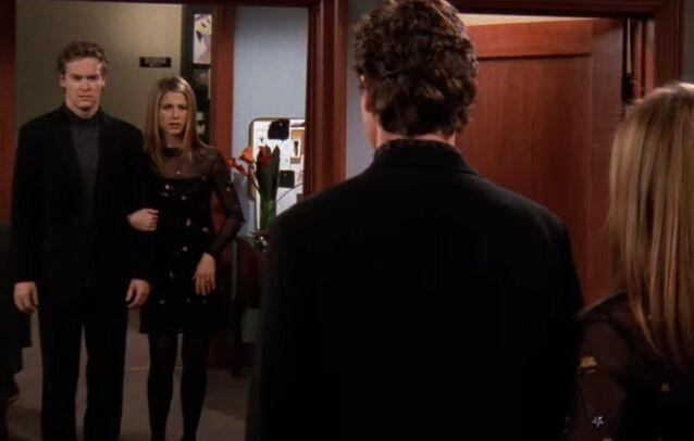 - VONDT: Da Tate Donovan ble med i serien var det akkurat blitt slutt mellom han og Jennifer Aniston. De to eksene datet i serien. Foto: Warner Bros.