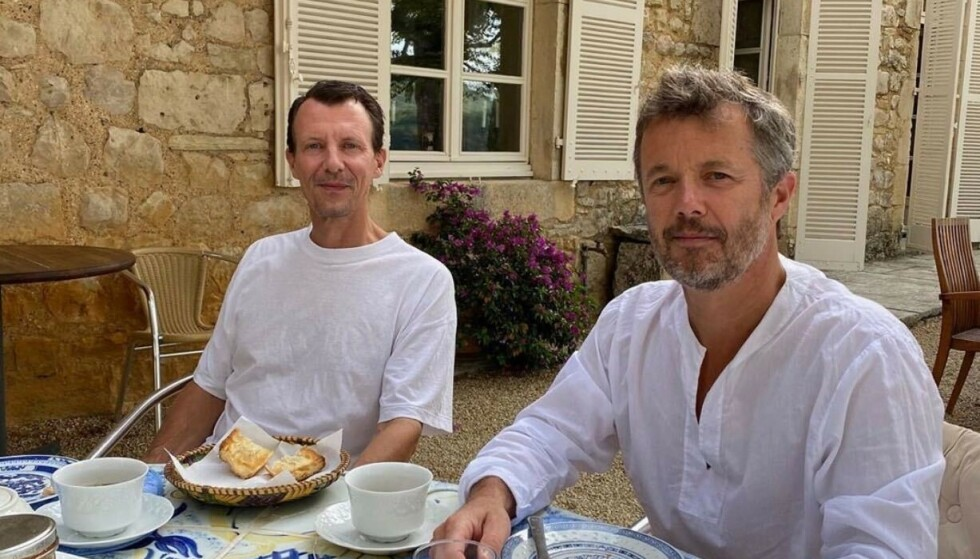 STØTTE: Kronprins Frederik (til høyre) har den siste tiden vært hos prins Joachim i Frankrike. Sistnevnte ble tidligere denne måneden skrevet ut fra sykehuset etter å ha hatt blodpropp i hjernen. Foto: Det danske kongehuset