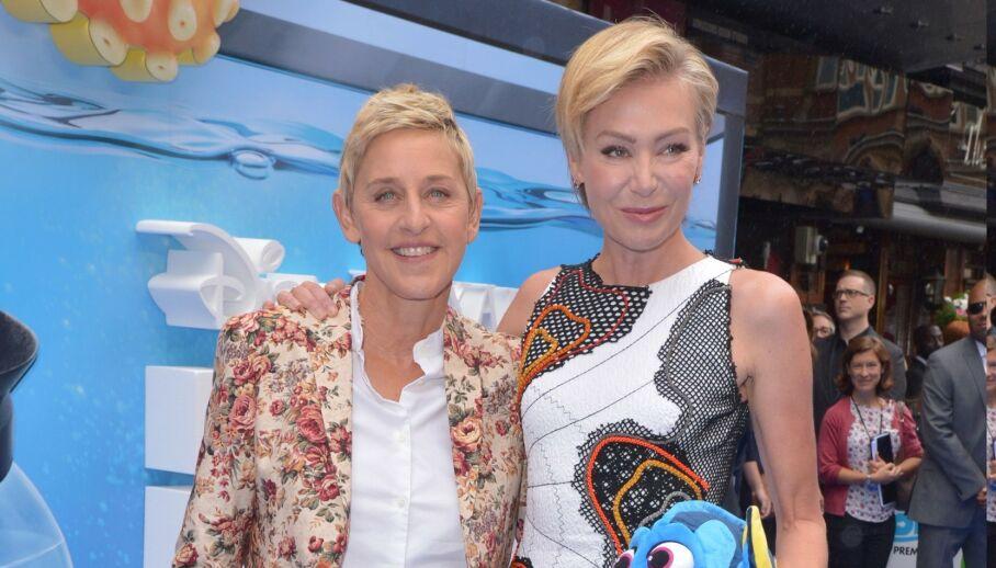 TAR GREP: Tre ledere i produksjonen av «The Ellen DeGeneres Show» har fått sparken. Her er programlederen med kona Portia de Rossi. Foto: NTB Scanpix
