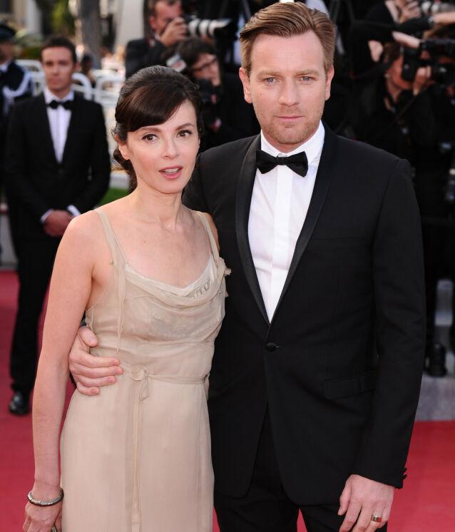 PÅ RØD LØPER: Eve Mavraki har støttet Ewan McGregor på en rekke premierer gjennom årenes løp. Her på «On The Road»-premieren under filmfestivalen i Cannes i 2012. Foto: REX/ NTB scanpix