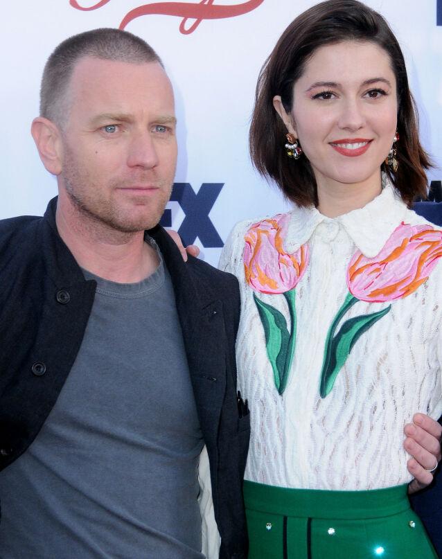 MOTSPILLERE: Ewan McGregor og Mary Elizabeth Winstead spilte sammen i TV-serien «Fargo» i 2017, men det viste seg å finnes mer enn en profesjonell relasjon mellom dem. Foto: NTB scanpix
