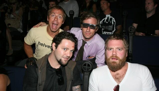 DØD: Ryan Dunn døde i en bilulykke i 2011. Her er han avbildet med Dave England, Spike Jonze og Bam Margera i 2010. Foto: NTB Scanpix