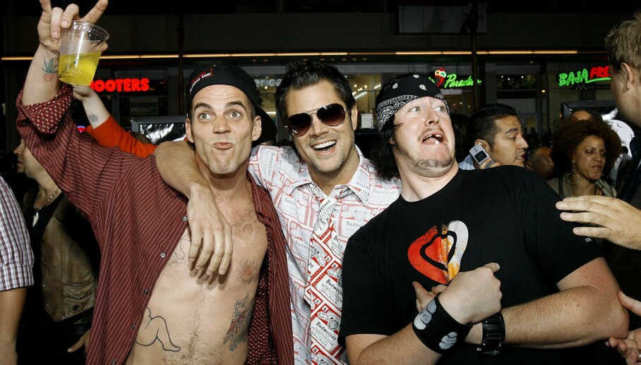 DEN GANG DA: Johnny Knoxville (midten) sammen med Steve-O (t.v.) og Ehren McGhehey på verdenspremieren av «Jackass: Number Two» i Hollywood i 2006. Foto: Reuters/ NTB scanpix