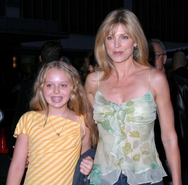 MOR OG DATTER: Tiffany Trump skal ha hatt en ganske skjermet oppvekst, men her er hun og mamma Marla Maples sammen på en premiere i New York i 2004. Foto: NTB scanpix