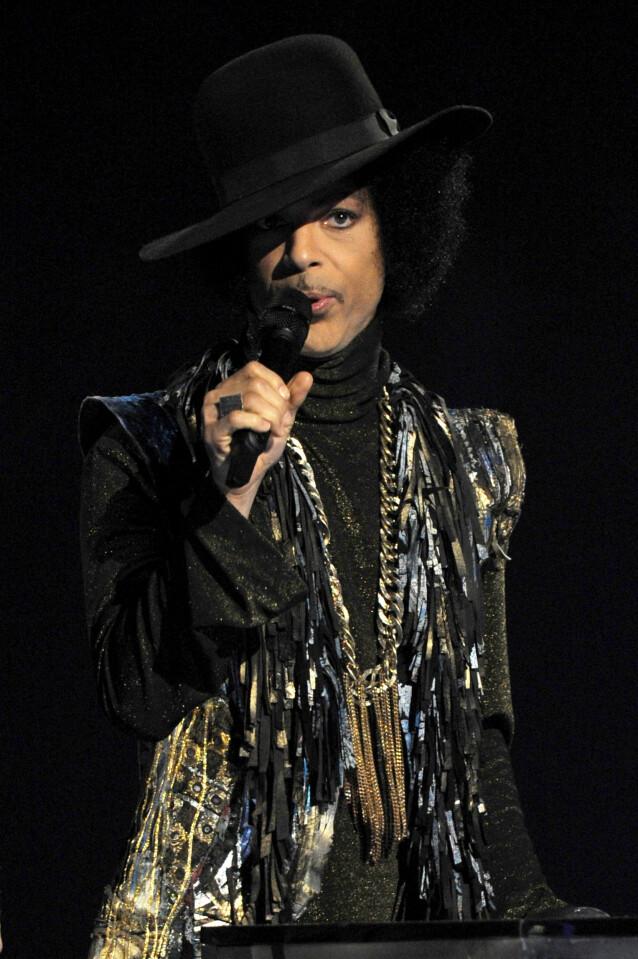 IKON: Artistlegenden Prince er å anse som en av de aller største gjennom tidene. Han rakk bare å bli 57 år gammel, og døde som følge av en fentanyl-overdose. Foto: NTB Scanpix