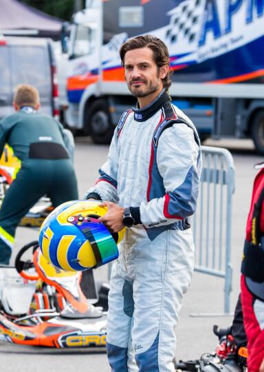 MOTORSPORT: Prins Carl Philip har hatt en interesse for motorsport i mange år. Tidligere har han avslørt at foreldrene er urolige når han kjører. Foto: NTB scanpix