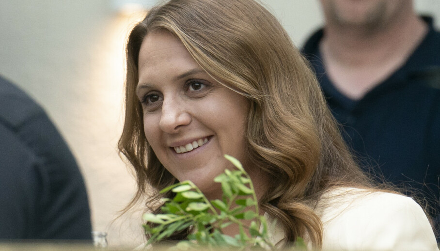 HYLLES: Emilie Stordalen deltok torsdag i sitt første direktesendte tv-intervju. Der åpnet hun seg om barndommen og hyllet sin tidligere stemor. Foto: NTB scanpix