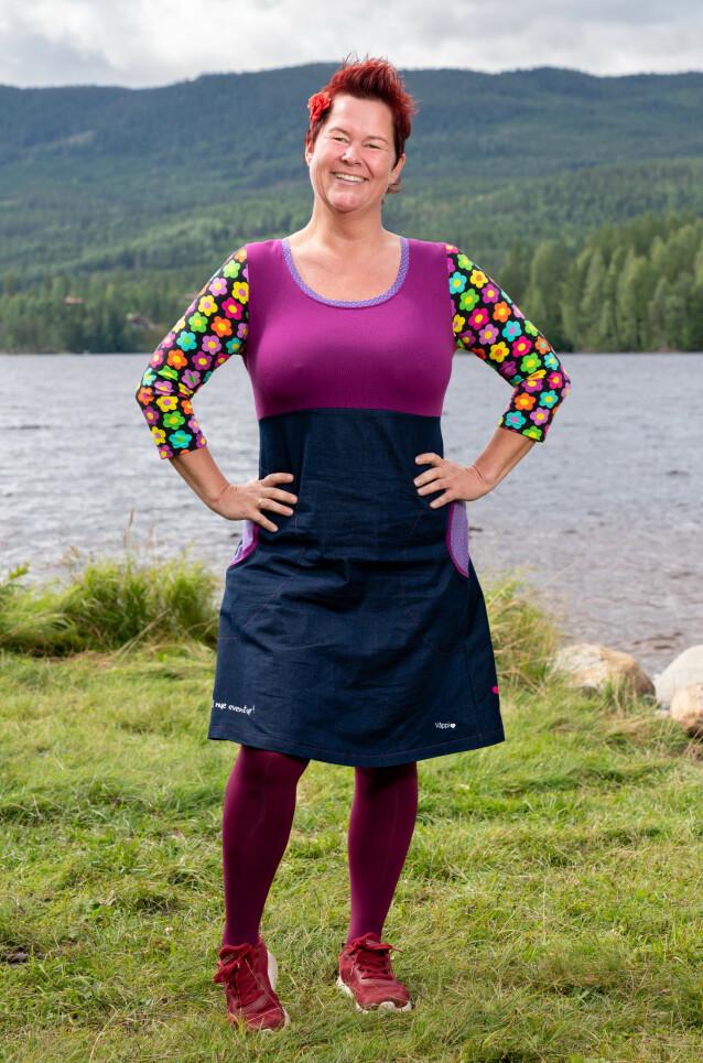 FARGERIK: Lene Egeland Hogstad vil forhandle om hvor mange kjoler hun kan få med seg inn på gården. Foto: Alex Iversen / TV 2
