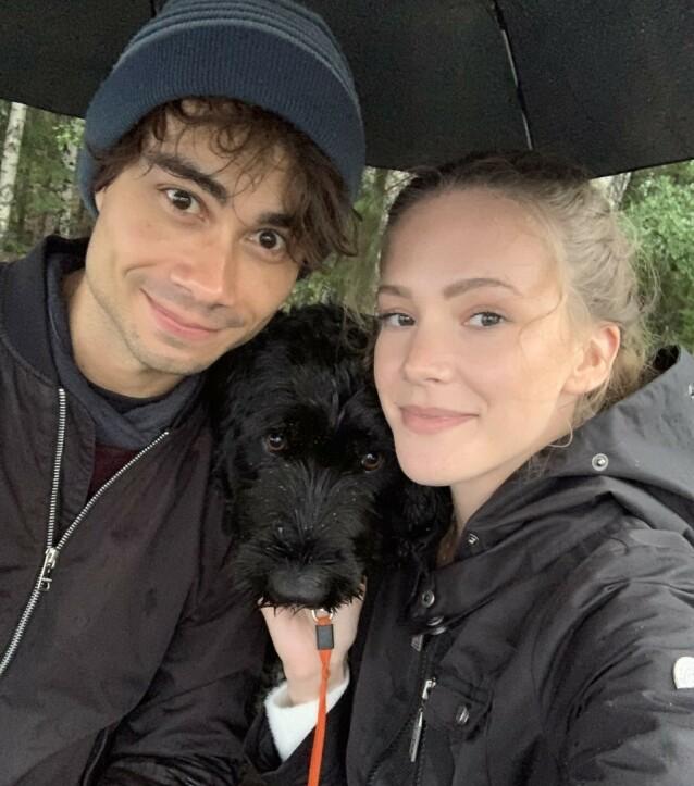 PÅ TUR: Alexander Rybak og Martine har tett kontakt. Nylig gikk de to tur sammen med Milla, hunden til Martines familie.