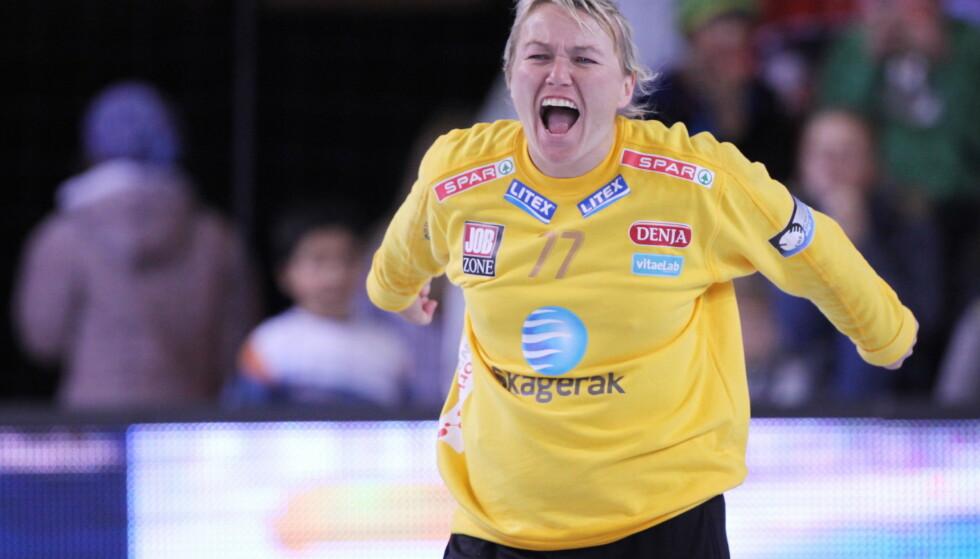 TIDLIGERE HÅNDBALLSTJERNE: Her er Cecilie Leganger under Champions League-kampen i håndball mellom LHK og Valcea i Larvik Arena i 2010. Foto: NTB Scanpix