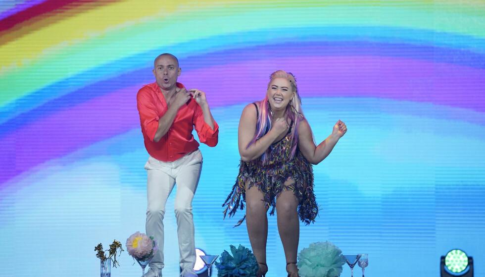 DANS PÅ BORDET: Agnete Husebye bød på mye danseglede. Foto: Espen Solli / TV 2