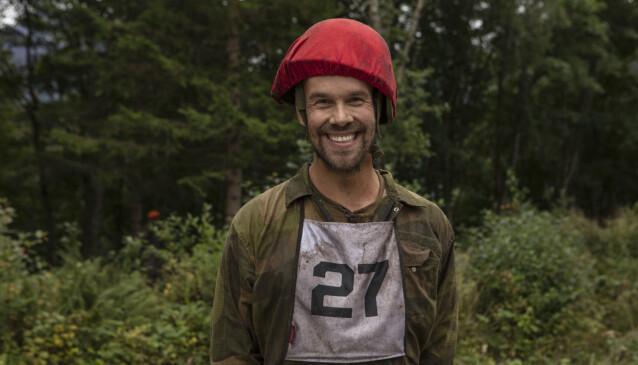 INGEN MILITÆRERFARING: Morten Hegseth tar sine første skritt i en militærleir. Foto: Matti Bernitz/TV 2