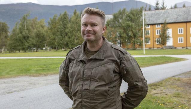 VAR I FORSVARET: Edward Schulteiss var i Forsvaret og i Oppklaringseskadronen i Brigaden i Nord-Norge for 20 år siden. Foto: Matti Bernitz/TV 2