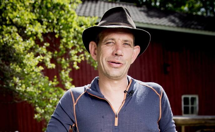FESTET: Leif Einar Lothe tok fram en sixpack under forrige ukes «Camp Kulinaris». Foto: Bjørn Langsem / Dagbladet