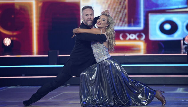 IKKE REDD: Michael Andreassen forteller at han ikke er redd for å bli smittet. Her med dansepartneren Ewa Trela. Foto: Espen Solli / TV 2