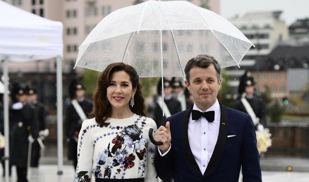 BLIR HJEMME: Kronprins Frederik hadde opprinnelig tenkt seg til OL i Tokyo. Nå blir både kronprinsen og kronprinsesse Mary hjemme. Foto: Jon Olav Nesvold / NTB scanpix