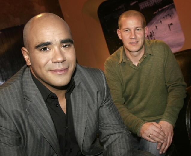 KROKEN PÅ DØRA: Etter 17 sesonger og ti år i kompaniskap med Johan Golden, ble underholdningsprogrammet «Golden Goal» på TV 2 lagt ned i 2015. Her er Henrik Elvestad og Johan Golden avbildet i 2006. Foto: NTB Scanpix