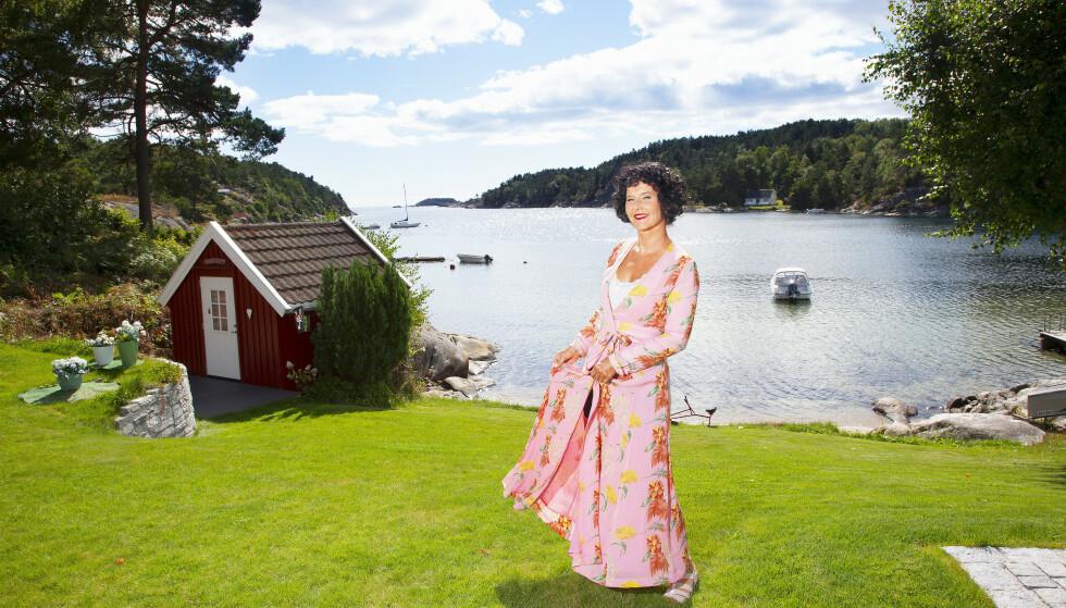 DRONNINGEN: Unni Lindell er selve krimdronningen i Norge. Så langt har hun solgt syv millioner bøker.
