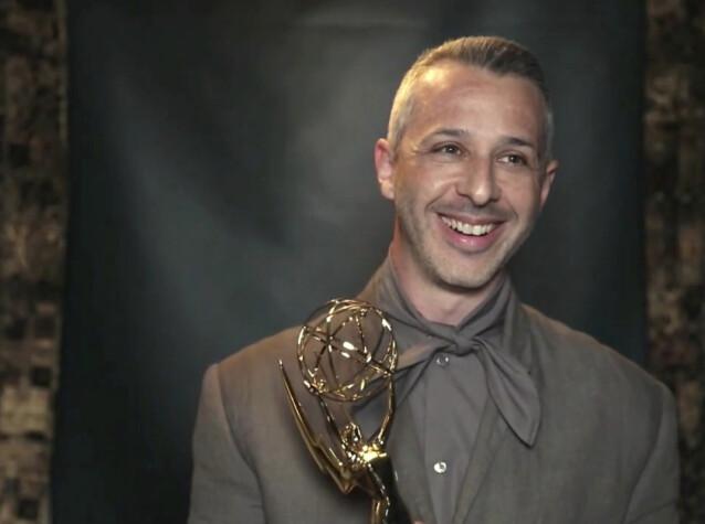 <strong>PRISVINNER:</strong> Jeremy Strong kapret seg også en pris under Emmy-utdelingen. FOTO: AP/ NTB