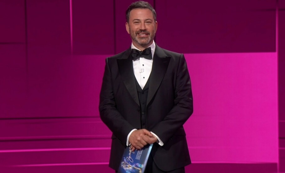 JUBLENDE PRISVINNERE: Under nattens Emmy-utdeling var det nok flere som jublet da de mottok pris. FOTO: AP/ NTB