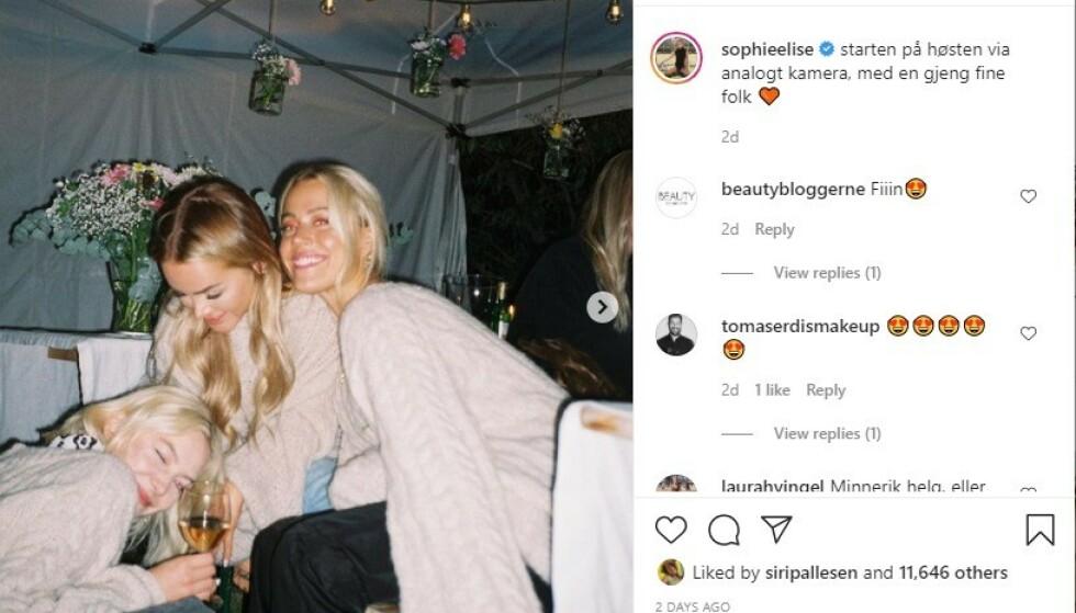 <strong>SMITTEVERNBRUDD:</strong> Astrid S, Sophie Elise og Julie Bergan satt tett i tett. Foto: Skjermdump/Instagram