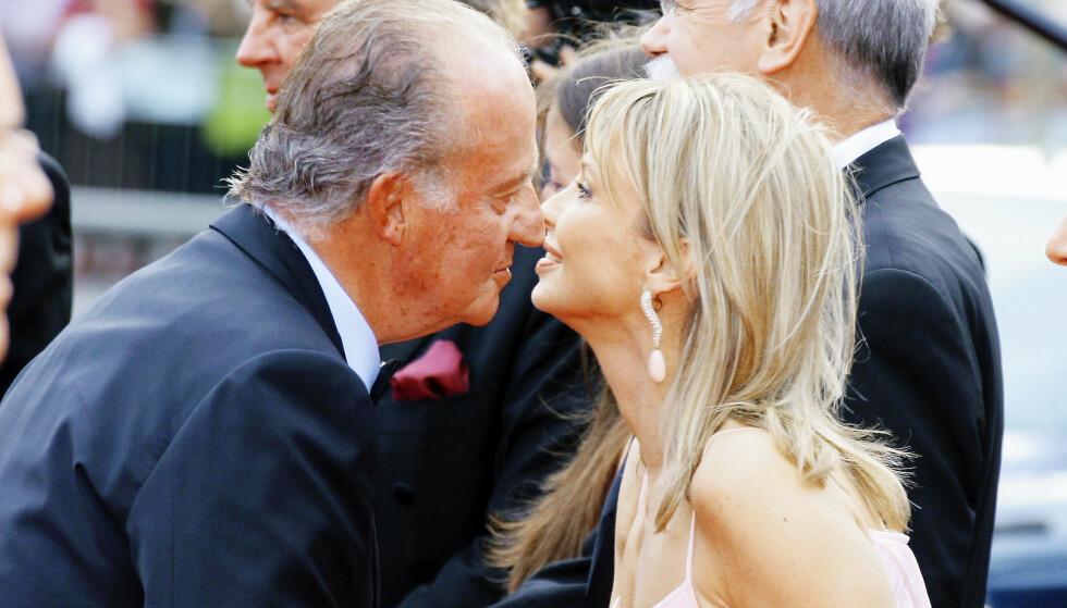 KJÆRLIGHET VED FØRSTE BLIKK: Den daværende kongen i Spania traff Corinna på en jaktfest i 2004, og ble hodestups forelsket. Senere bedro han også henne …