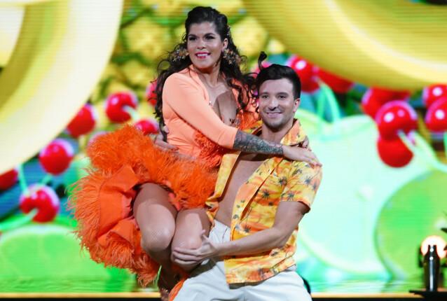 <strong>«COPACABANA»:</strong> Kristin Gjelsvik og dansepartneren danset showdans til tropiske rytmer. Foto: Espen Solli / TV 2