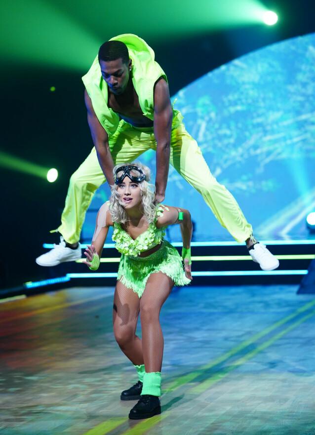 <strong>ÅRET FØRSTE TIERE:</strong> Nate Kahungu og Helene Spilling hanket inn hele ti tiere for showdansen sin. Foto: Espen Solli / TV 2